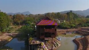 Kacsalábon forgó ház épült Thaiföldön