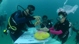 Víz alatti esküvő Thaiföldön