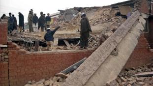 Tálib támadás egy iskola ellen- legkevesebb 20 halott Pakisztánban
