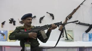 India a világ legnagyobb fegyverimportőre: 19 milliárd dolláros vásárlás fél év alatt