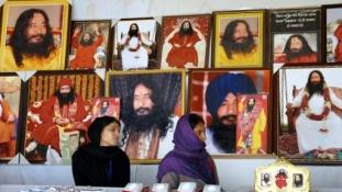 Hívei szerint meditál a január óta halott guru