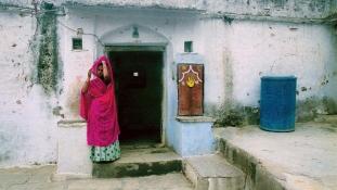 Férje halotti máglyájára vetette magát egy indiai özvegy