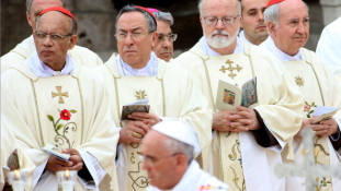 Ázsiában erősít a katolikus egyház