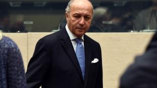 Franciaország a kubai embargó mielőbbi feloldását sürgette