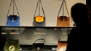 A Gucci luxustáskái is rabszolgamunkával készülnek?