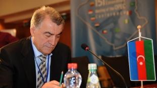 """Azeri """"különvélemény"""" az olajárról"""