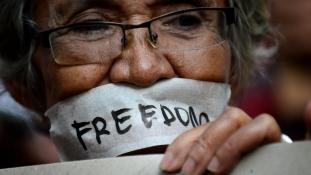 Internet-szabadság, lefelé csúszó oroszokkal