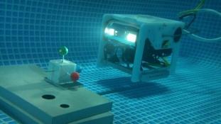 Teljesen önálló vezérlésű vízalatti járművet fejlesztettek ki Japánban