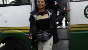 Busz csak nőknek Nepál fővárosában