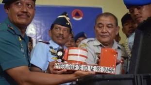 Megtalálták az AirAsia eltűnt gépét