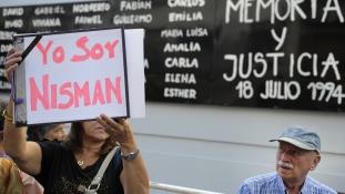 #YoSoyNisman: Tüntetnek Argentína Tel Aviv-i nagykövetsége elött