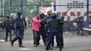 Tiltakozás az új választási törvény ellen: összecsapások Kinshasában