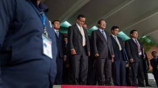 30 éve hatalmon a kambodzsai miniszterelnök
