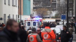 Razzia Párizs környékén: a terroristák több segítőjét elfogták