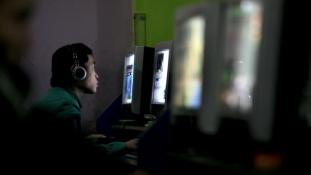Kínai netezők az internet ellen
