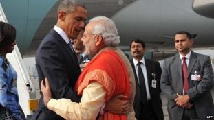 Megújul az indiai-amerikai barátság: Obama Új Delhibe érkezett