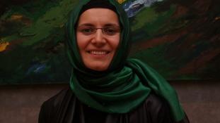 Betül Burnaz festőművésznő állít ki  a Török Kulturális Intézetben