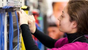 A női mérnökök lassan kiszorítják a férfiakat a libanoni munakerőpiacon