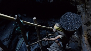 Milliók sztrájkolnak a bányaprivatizáció ellen Indiában