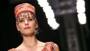 """""""Még annyira sem kaptunk farmert, mint ti"""" – interjú egy belorusz divattervezővel"""