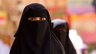 Középkori kínzóeszközöket vet be nők ellen az Iszlám Állam