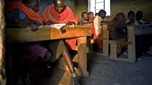 A diák iskolába megy, a tanár a bíróságra?