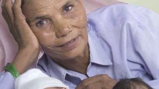 Nem könnyű 76 évesen egy 6 éves fiú édesanyjának lenni