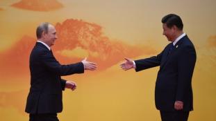 Kína és Oroszország együtt ünnepli a világháború végének 70. évfordulóját