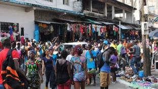 Libéria megnyitja határait