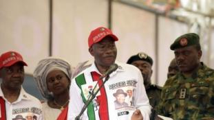 Bomba robbant a nigériai elnök kampányrendezvényénél