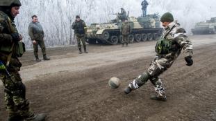 A kelet-ukrajnai tűzszünet első napja-csökkent a feszültség