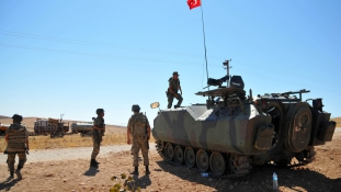 Török katonai akció a Kalifátusban Szulejmán sah sírjánál
