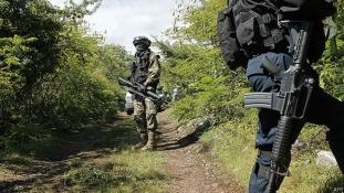 Mexikó: újabb embercsoportot raboltak el álarcos fegyveresek