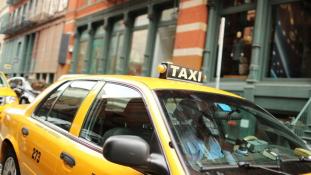 Taxizás sofőr nélkül?