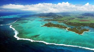 Mauritius a természeti adottságaival, a Fülöp-szigetek szaktudással száll be