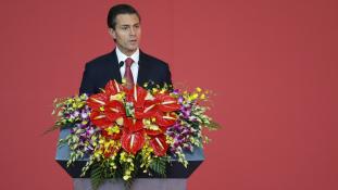 """Peña Nieto: """"Tudom, nem tapsolnak meg"""" (videóval)"""