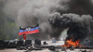 Támadás egy buszpályaudvar ellen Donyeckben az újabb minszki csúcs előtt