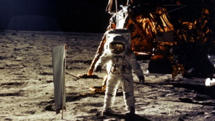 Szuvenír Neil Armstrongtól