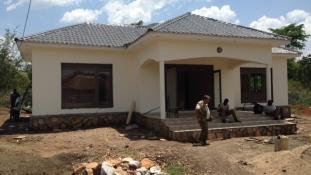 Átadásra vár a magyar részvétellel kialakított mezőgazdasági telep Ugandában (helyszíni riport)