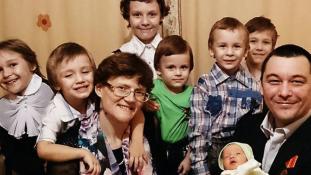 Hazaárulással vádolnak egy hétgyermekes orosz anyát