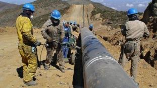Gázcsőre tölt három közép-amerikai ország