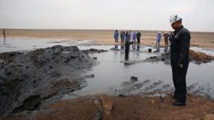 Irak 65 dolláros olajárral számol- hol van már a 100-as álom?