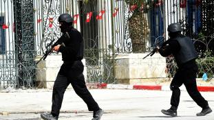 Tuniszban 19 áldozata van a múzeumi vérengzésnek