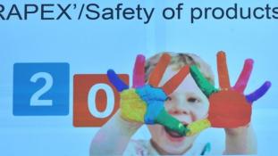 Brüsszeli figyelmeztetés : veszélyesek lehetnek a kínai játékok