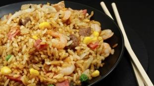 Botrány Kenyában: Kitiltották a feketéket egy kínai étteremből