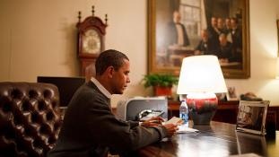 Levelet írt Obamának, most a börtönben körmölhet
