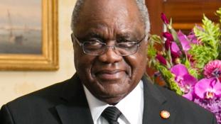 A namíbiai elnök kapta meg az afrikai Nobel-díjat