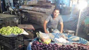 Felgyújtotta magát egy arab gyümölcsárus Iránban