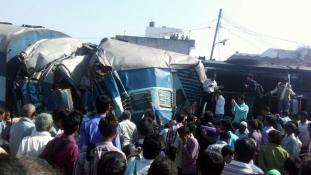 Vonatbaleset Indiában – 22 halott