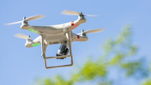 """Szigorú """"drónszabályokat"""" hozott az emírségek kormánya"""